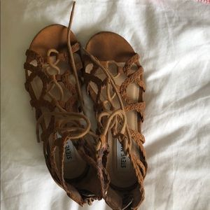 Girls' size 1 tan lace up Steve Madden sandals